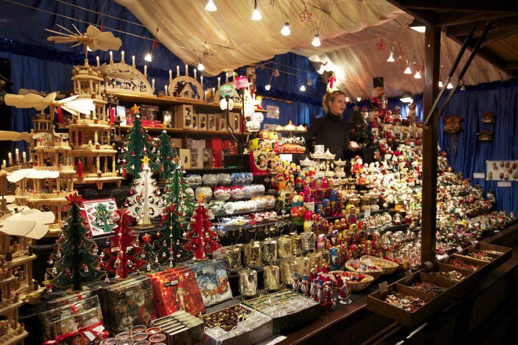 christkindlemarkt-leeds-german-christmas-market-trinket-stall-joel